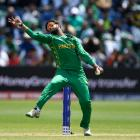 Spinner Imad Wasim took three wickets for Pakistan. Photo: Getty