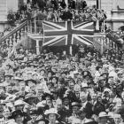 The crowd in front of the Dunedin Town Hall when the official announcement was made of the German...