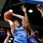 The Breakers' Tom Abercrombie lines up the basket against the Brisbane Bullets. Photo: Getty