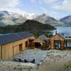 The five pavilions making up this family holiday home are reminiscent of boat sheds. The house...