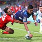 Rieko Ioane dives over to score for the Blues against the Sunwolves. Photo: Getty
