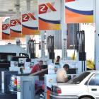 Customers line up at the Z Energy petrol station in Anderson's Bay Rd, Dunedin. Photo by Gerard O...