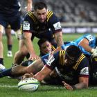 Shannon Frizell crosses for his sixth try of the season. Photo: Getty Images
