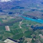 Irrigation around Twizel as seen from the air in 2016. Photo: Gavin Wills via RNZ