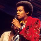 Johnny Nash performs on a TV show, London, 1975. Photo: Getty Images