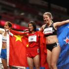 Danielle Aitchison (right) with winner Shi Yiting (centre) and Elena Ivanova. Photo: Getty Images