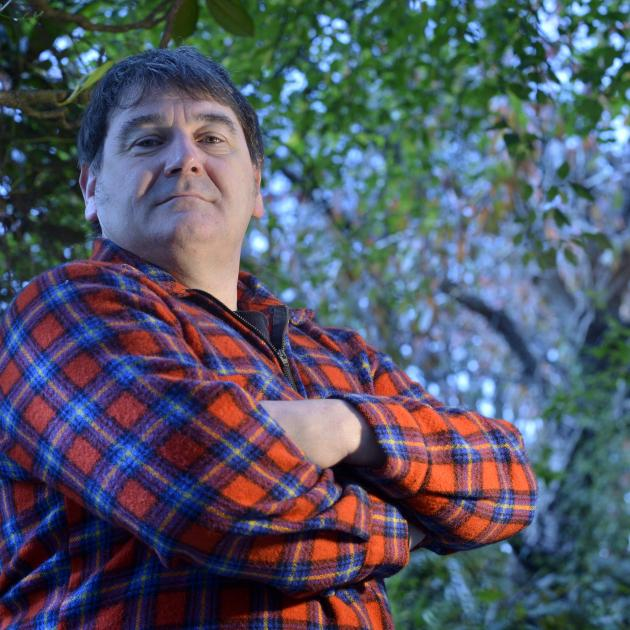 Actor Craig Storey has been cast to play former All Black Keith Murdoch in a play in Dunedin....
