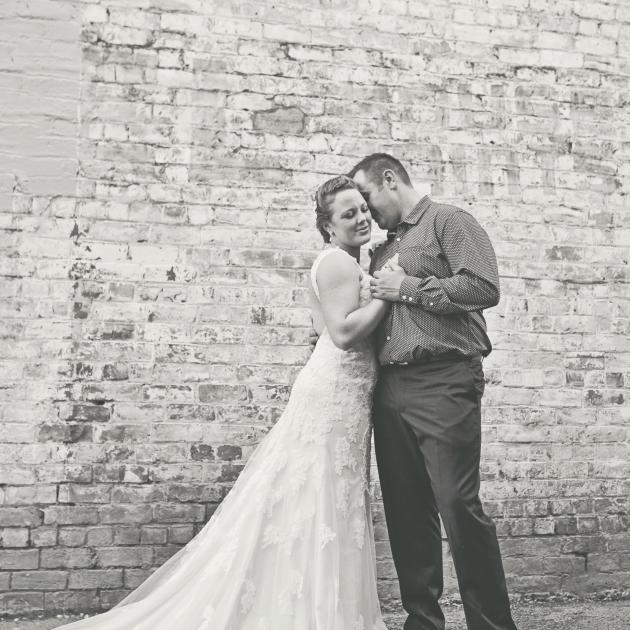 Kate and Simon Knight Photographer: iShotz Photography, Jaime Smith