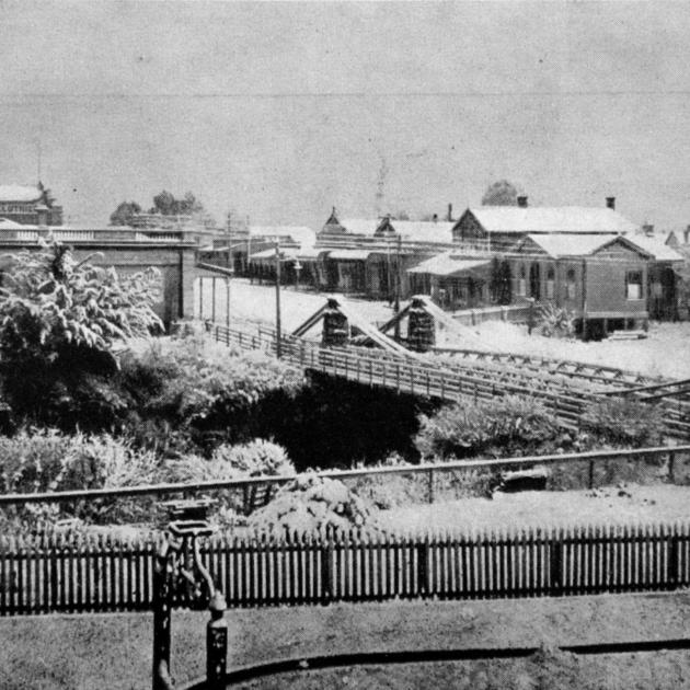 The bridge and township at Mataura after a recent fall of snow. — Otago Witness, 9.8.1916.