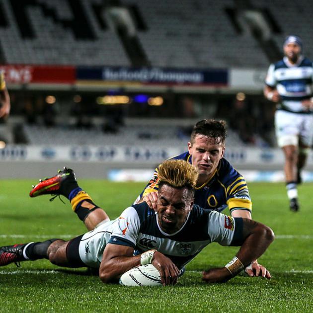Lolagi Visinia scores for Auckland. Photo: Getty Images