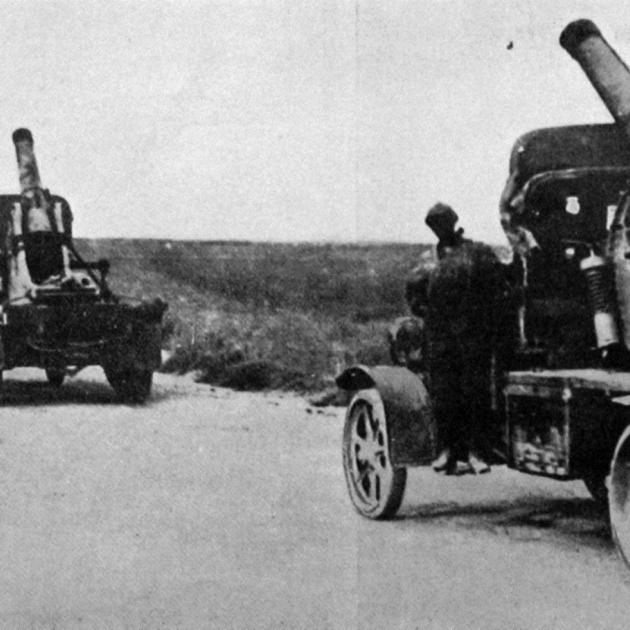 Modern methods of warfare: cannon being hauled to the Somme front line on lorries. - Otago...