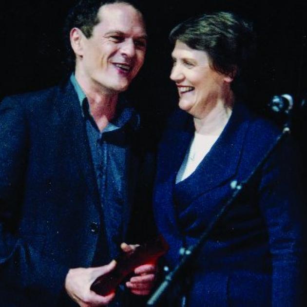 2005年,Shayne Carter被总理海伦·克拉克授予终身成就奖,......