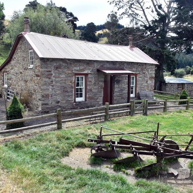 Glen Lyon cottage was built near the original road which had been surveyed around the foothills...