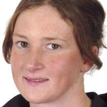 Louise Jull.