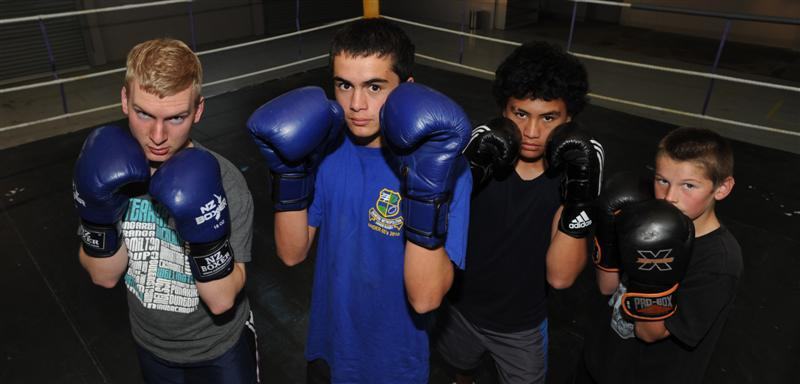 boxing programme youths from left andy rapson 17   4d930c1844 JPG?itok=jn 6gO2O.'