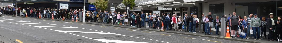 Queues try cruise passengers' patience