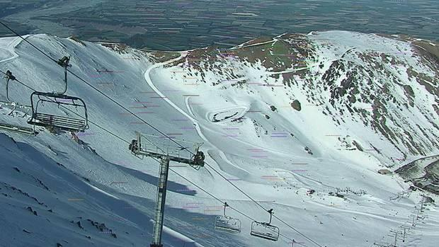 Skiers evacuated from stalled chairlifts at Mt Hutt