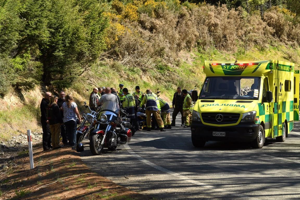 Motorcyclists hurt in Three Mile Hill crash