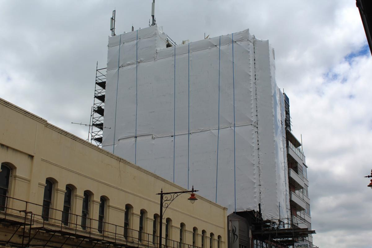 24m-high mural for central city hotel