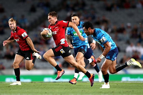 Blues hold Crusaders to a tight win