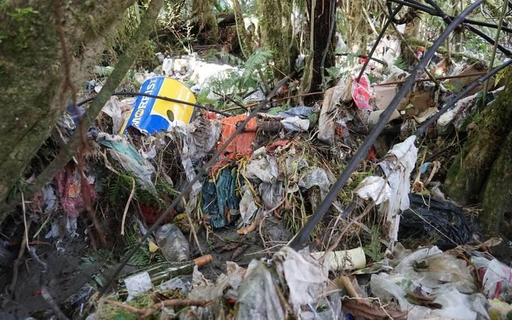 'We need help': Massive rubbish cleanup too much for ratepayers