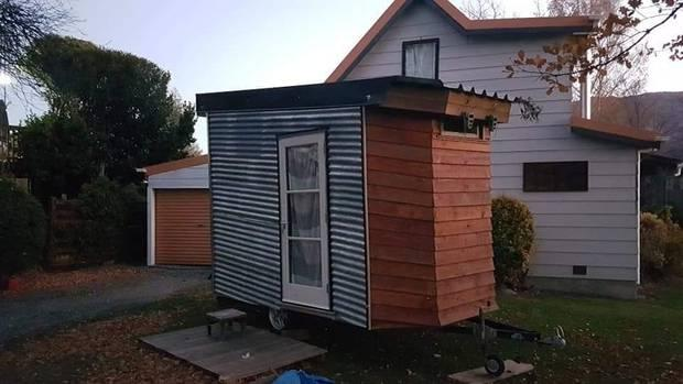 'I'm not a greedy landlord': Tiny house owner removes listing