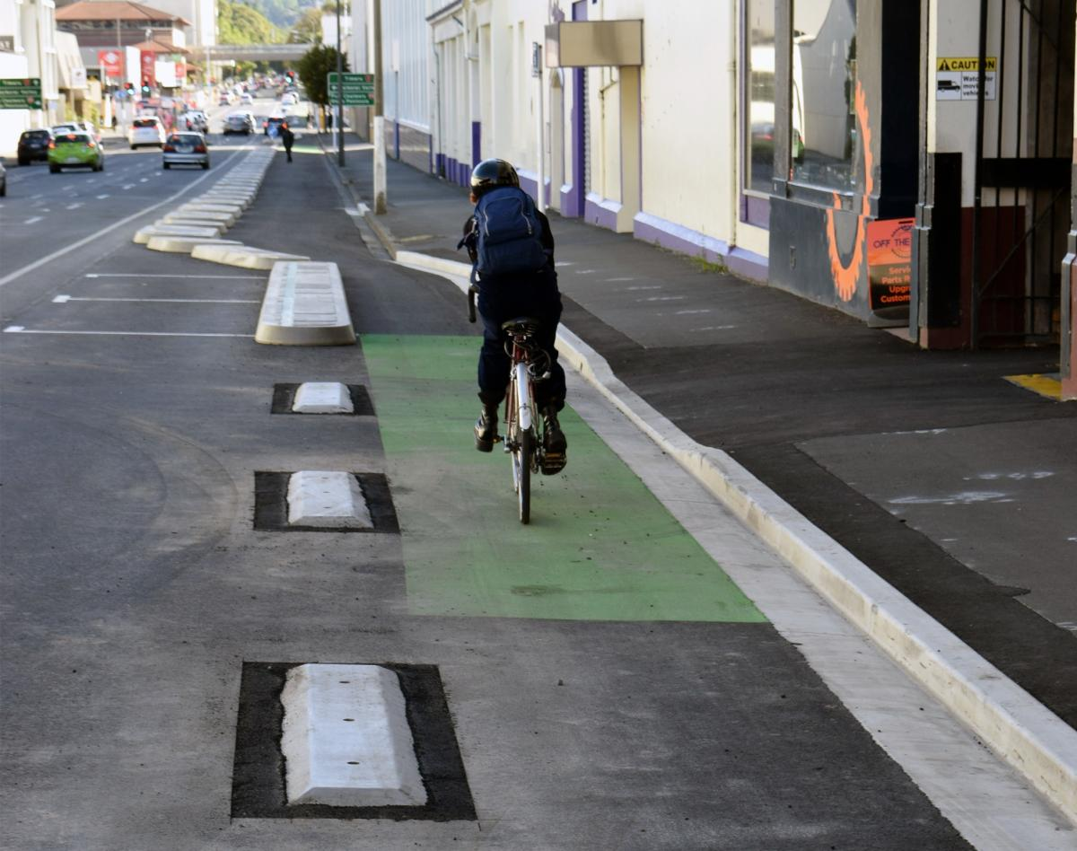 Nats want to fine cyclists who don't use cycle lanes