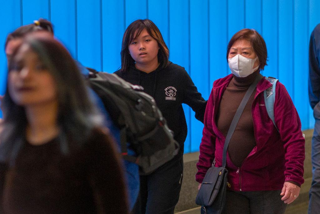 China virus death toll climbs, pandemic feared