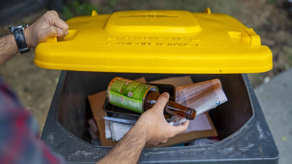 What happens to your household rubbish during the lockdown?
