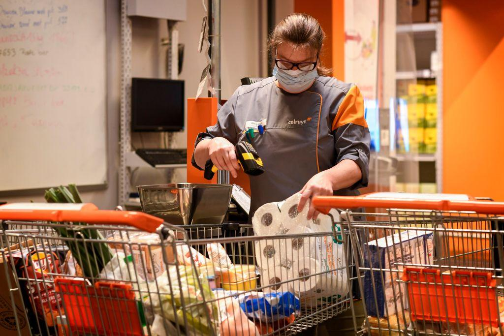 Customers refused entry at supermarkets for not wearing gloves, masks