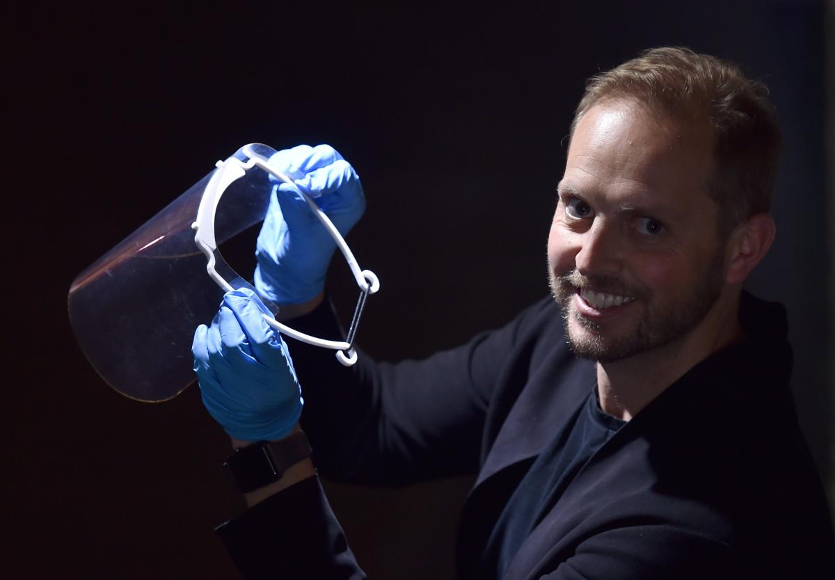 Dunedin architect uses 3-D printer to produce masks