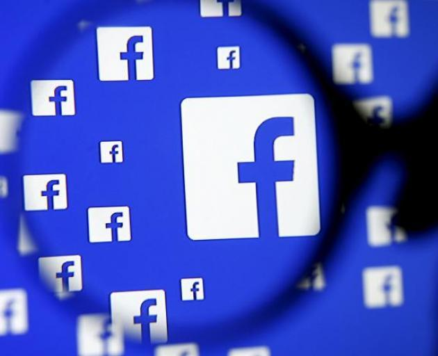 Staff take Zuckerberg to task over Trump posts