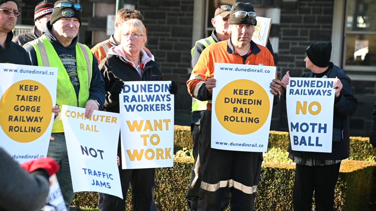 Railway workers protest mothballing of Taieri Gorge