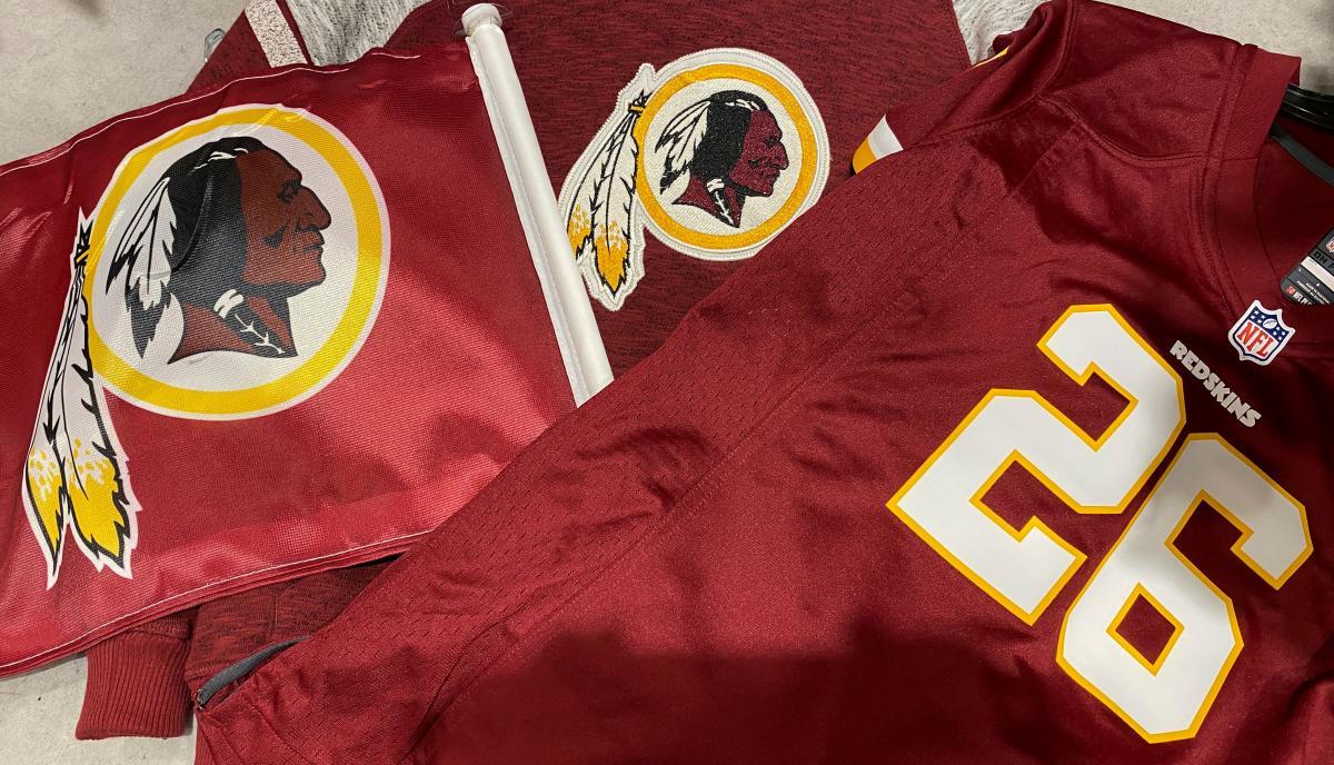 Washington Redskins to consider changing team name