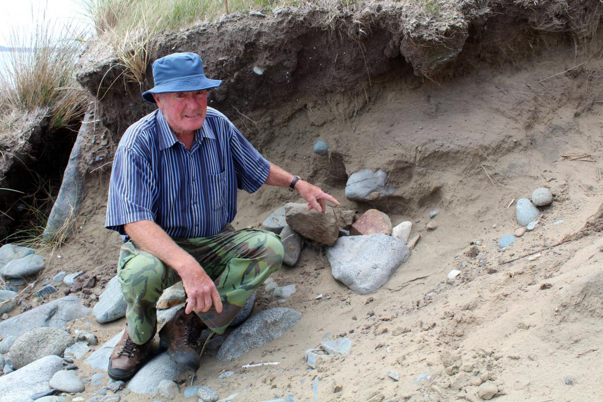Skull discovery surprise for beachcomber