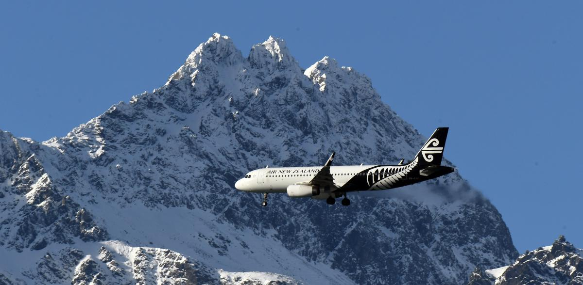 Passenger who flew to Queenstown in hospital with 'flu-like symptoms'