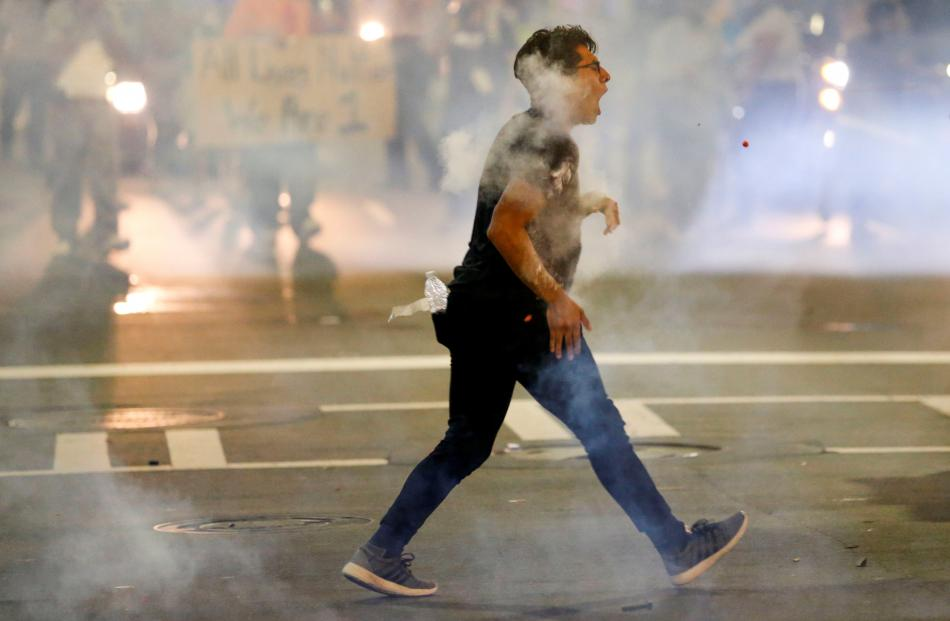 Charlotte sees 2nd night of violence over police shooting