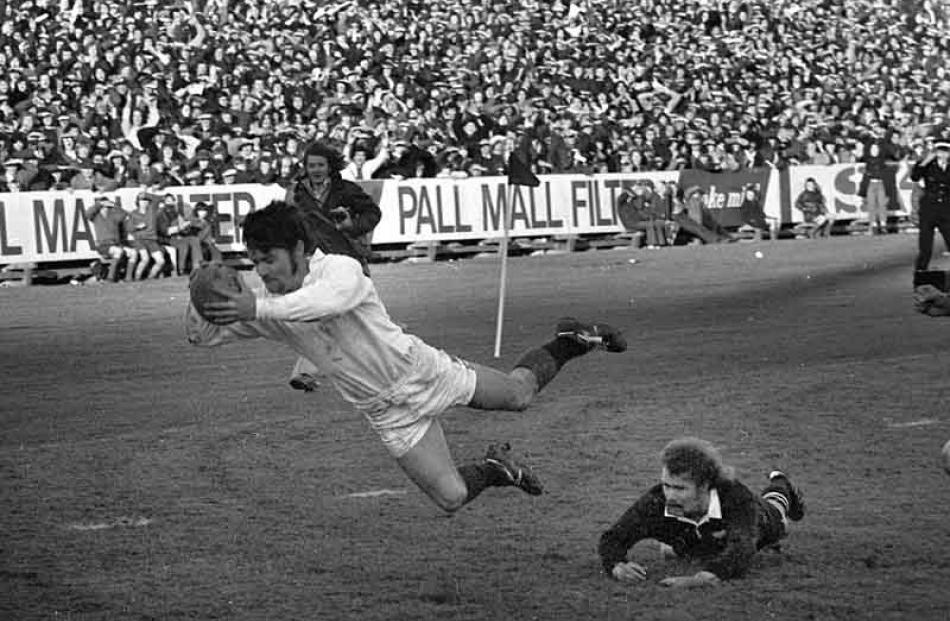 1973: All Blacks v Junior All Blacks. Grant Batty try.