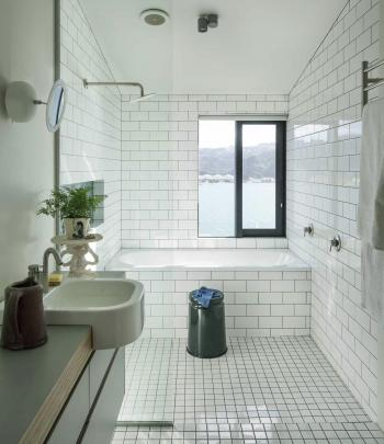 Bathroom, with harbour view.