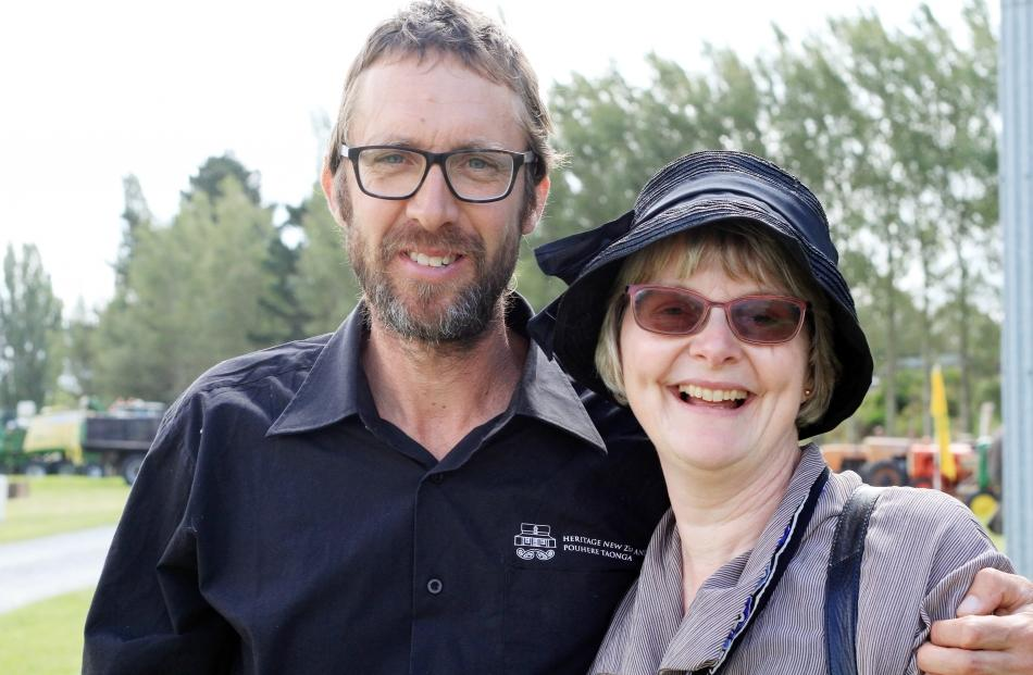 Steven Henry, of Totara, and Anne Sutherland, of Kakanui.