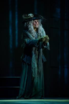 Arlie McCormick as the Birdwoman.