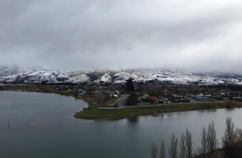 The hills behind Cromwell got a fresh dumping of snow. Photo: Jono Edwards