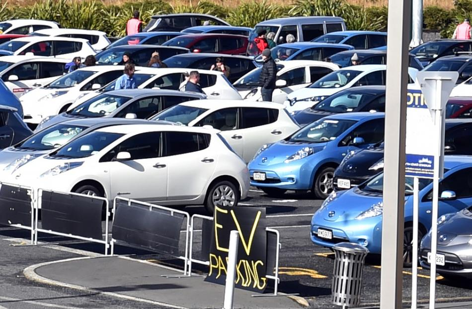 135 electric vehicles (EVs) were gathered outside Forsyth Barr Stadium yesterday in an attempt to...