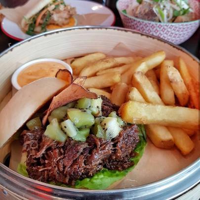 Mr Go's winning ''Kiwi China, China Kiwi'' burger.