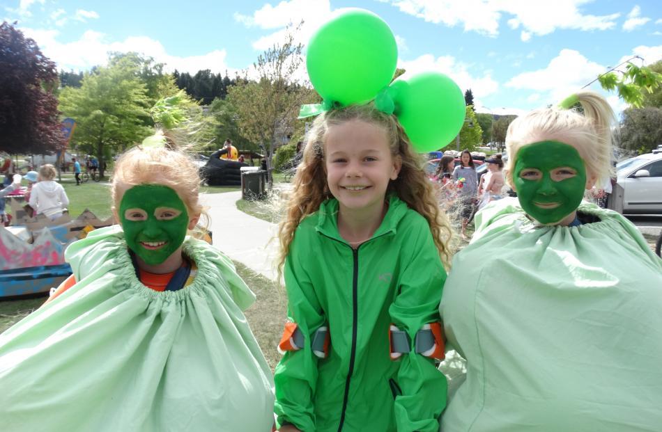 The team ``Peas in a Pod'' Isla Taylor (9), Mila Culpitt (9) and Zoe Nicholson (9), all of Wanaka.
