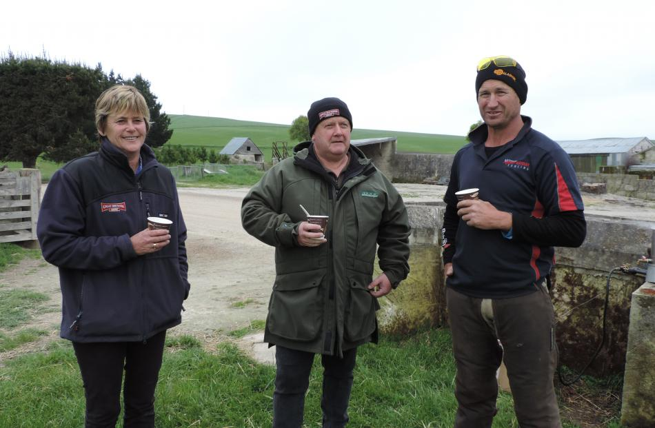 Great Southern Oamaru fencing suppliers (from left) Kirsten MacDonald and Roy Duffell discuss the industry with Ashburton contractor and Fencing Contractors Association member Lindsay Hayman.