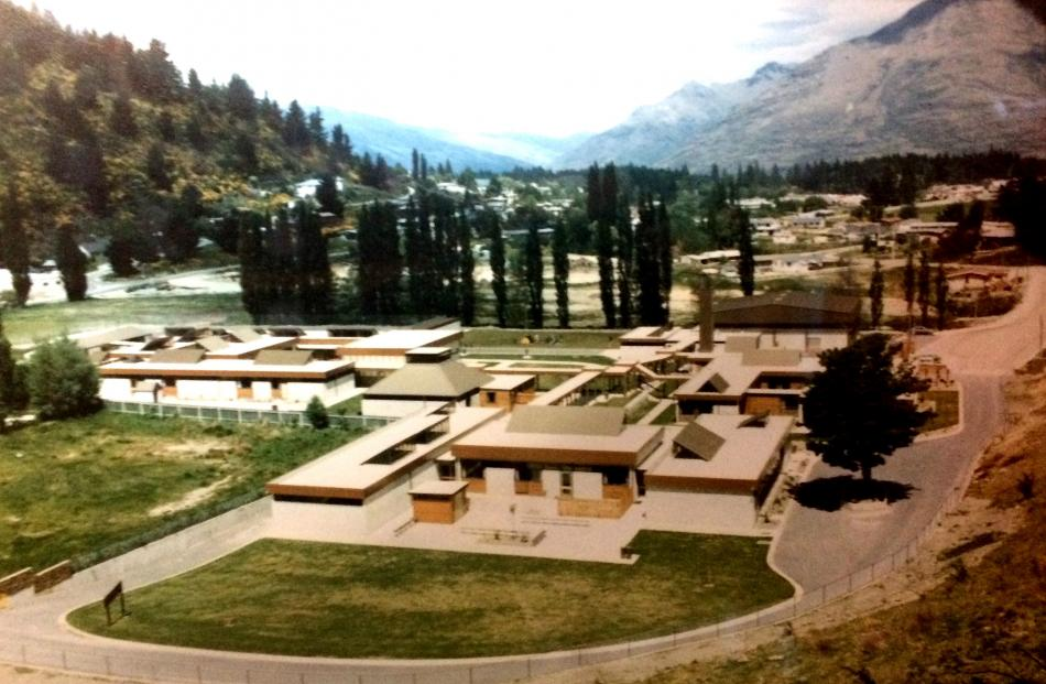 The current  Wakatipu High School when  it was new, in 1980. Photo: Wikimedia Commons
