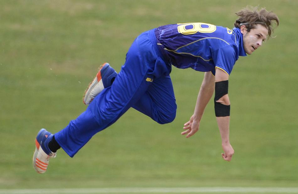 Otago Volts bowler Warren Barnes.