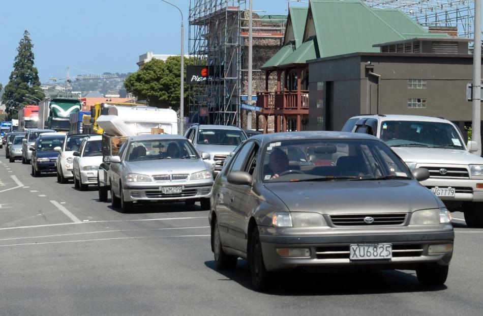 Traffic moves at a crawl on SH1 heading north. Photo: Linda Robertson