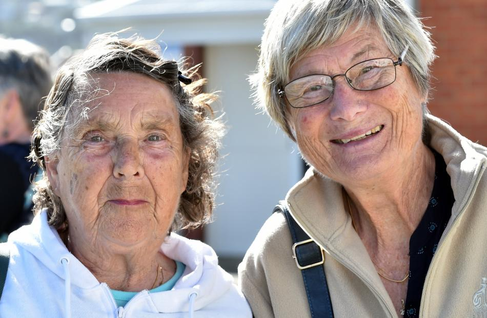 Marlene Marychurch, of Dunedin, and Yvonne Austen, of South Africa.